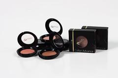eyelash(0.0), human body(0.0), eye(0.0), organ(0.0), brown(1.0), eye shadow(1.0), cosmetics(1.0),