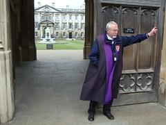 Para entrar a King's College hay que pagar pero desde fuera se puede ver el impresionante patio cambridge - 5067006643 0dcf40b45f m - Cambridge (England) y sus rincones para turistas