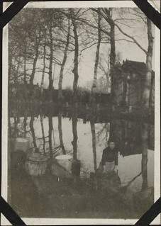 Laundress at the canal, Troyes, France, Nov.-Dec. 1917 / Blanchisseuse au canal, Troyes, France, nov.-déc. 1917