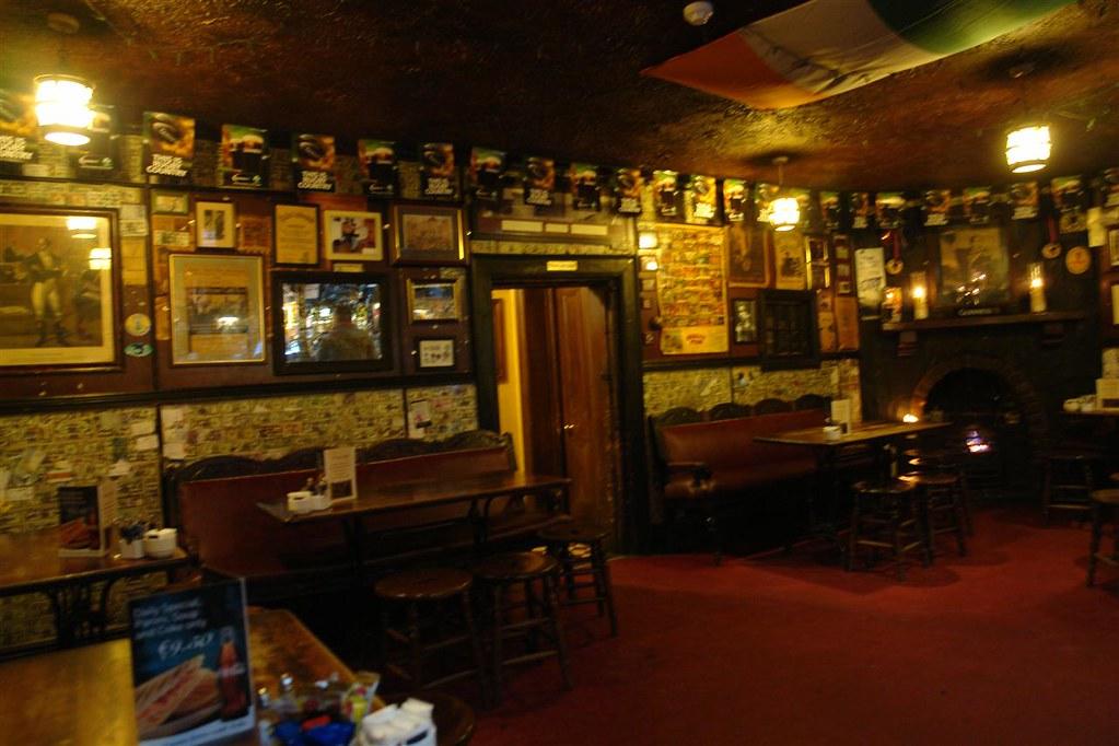 Qué visitar en Dublín en un día: Brazer head Pub qué visitar en dublín en un día - 5175376359 b287edcd8d b - Qué visitar en Dublín en un día