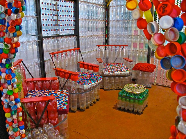 Muebles de botellas plásticas  Flickr  Photo Sharing!
