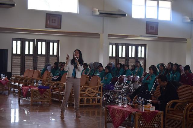 Seminar Nasional Keperawatan Anak