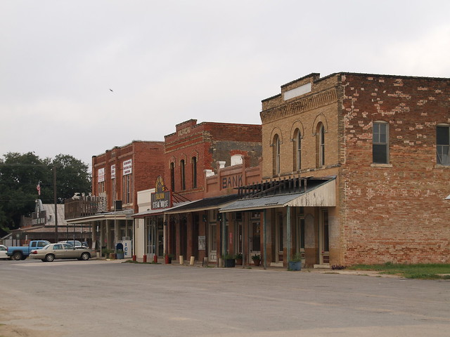 d hanis D'hanis (/ d ə ˈ h æ n ɪ s /) is a census-designated place in central medina county, texas, united states the population was 548, as of 2000 it is part of the san antonio metropolitan statistical area.