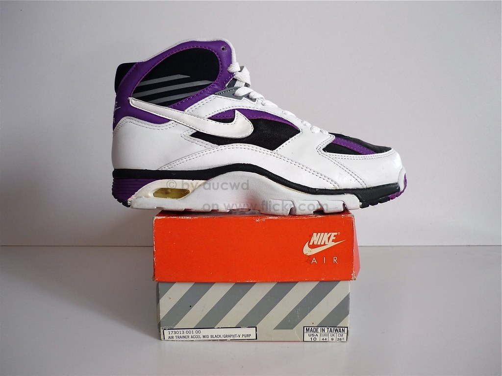super popular f5e6a 7b352 UNWORN 90`S VINTAGE NIKE AIR TRAINER ACCELERATOR SHOES  Flic