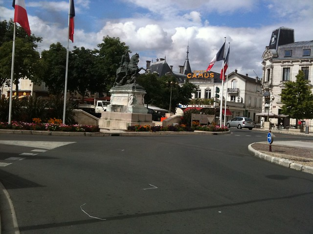 Centre ville de cognac flickr photo sharing for Piscine d eau cognac