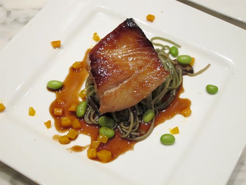 Gourmet pigs laksa santa monica night breeze chef amy 39 s for La fenetre pinot noir 2010