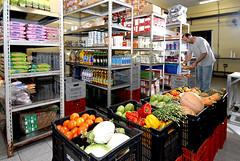 Almoxarifado (armazenamento de produtos secos e frescos)