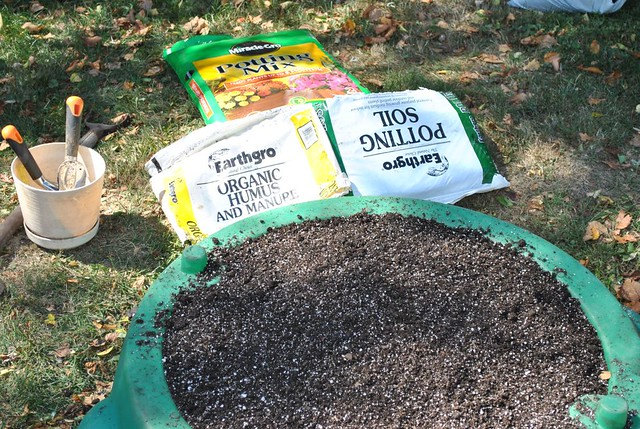 Potting Soil One Full Bag Of The Miracle Grow Potting Mix Flickr Photo Sharing