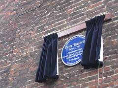 Photo of Peter Tatchell blue plaque