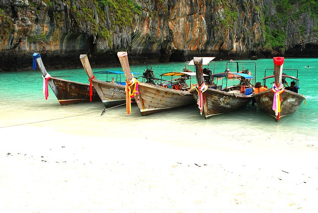 Heaven on Earth.......maya bay @ Phi Phi Island ,Phuket