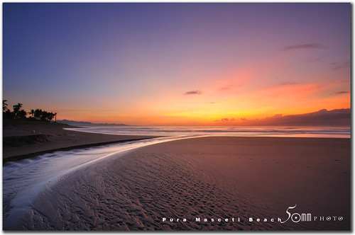 ocean morning blue red sky bali brown seascape tree beach nature sunrise indonesia darkness sands pura fiftymm nikond300 masceti fiftymm99 gettyimagessingaporeq2