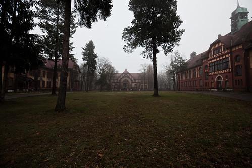 Beelitz-Heilstätten by Matt Biddulph