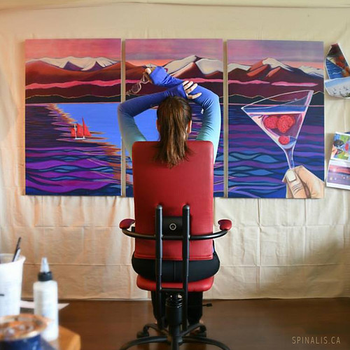 Review on SpinaliS Apollo series chair for active sitting by a Canadian artist Brandy Saturley