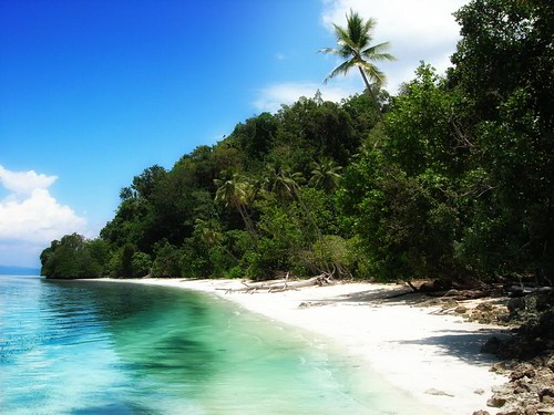 beach indonesia holidays mare sulawesi spiaggia vacanze togian walea ilcorsaro