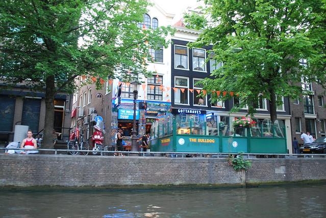 Amsterdam Bulldog Hotel Restaurant Oudezijds Voorburgw