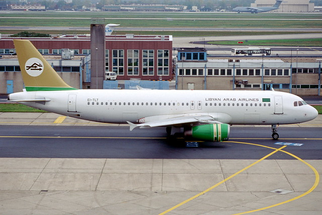 113cf - Libyan Arab Airlines Airbus A320-231; EI-TLT@FRA;20.10.2000