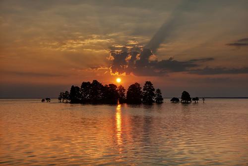 usa clouds sunrise nuvole alba northcarolina massimostrazzeri lakemattamuskeet mattamuskeetnationalwildliferefuge ziomamo