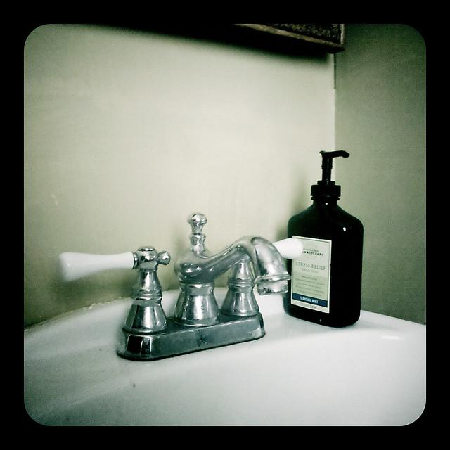 Bathroom Vanities, Traditional & Contemporary Vanities, Sinks