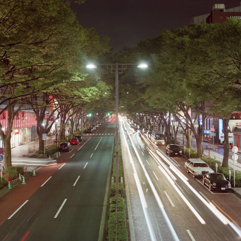 歩道橋表参道20時