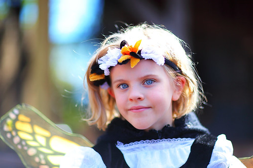 city portrait cute beautiful festival wonderful eyes fairy blonde kansas ren littlegirl faire fairies magical renaissance mrf img5138 mnrenfest canonef85mmf12liiusmlens canoneos5dmarkiicamera grantbrummett 2010minnesotarenaissancefestival
