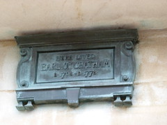 Photo of William Pitt bronze plaque