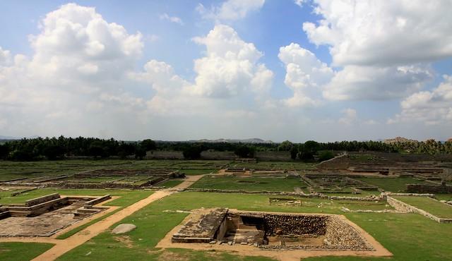 royal center hampi hazararama temple mahanavami dibba