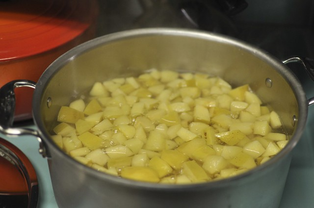 boiling quince