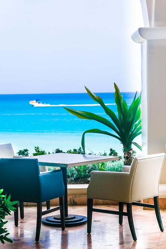 best restaurants in the Caribbean, best restaurants in Barbados, best Fairmont restaurants, turquoise water in the Caribbean Sea in Barbados