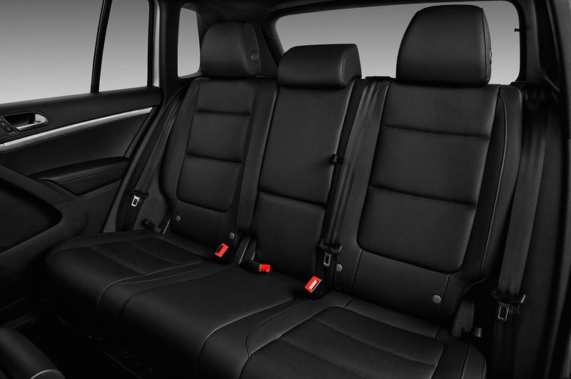 2017-Volkswagen-Tiguan-S-Auto-Suv-Rear-Seat
