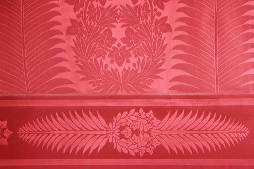 Le papier peint salon rouge flickr photo sharing for Salon papier peint