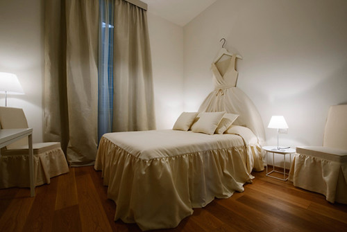 Hotel maison moschino in milan italy the style files for Maison moschino milan