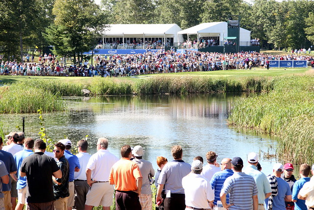 Deutsche Bank Championship 2010: Watching Tiger Woods Hit