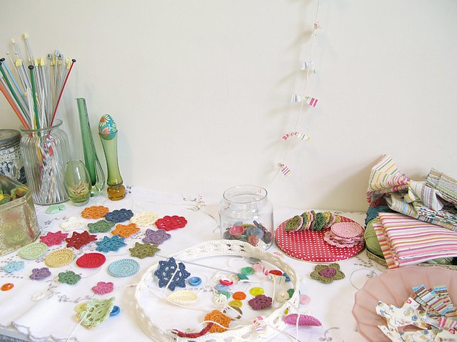 studio details : busy, busy!   Emma Lamb
