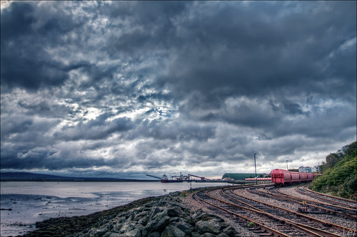 red fall train canon cloudy railway nb newbrunswick 7d sj dslr hdr 2010 saintjohn 1635mm sjphoto nbphoto cans2s bmca