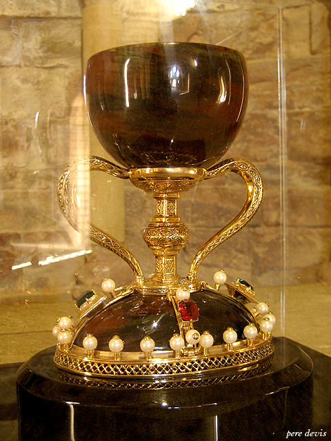 places holy chalice valencia