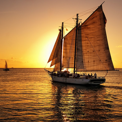 Slow sail into the sunset