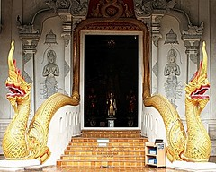 20100520_0545 Wat Chediluang Varaviharn, วัดเจดีย์หลวงวรวิหาร