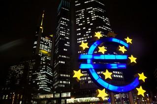 Monumento al euro en Frankfurt