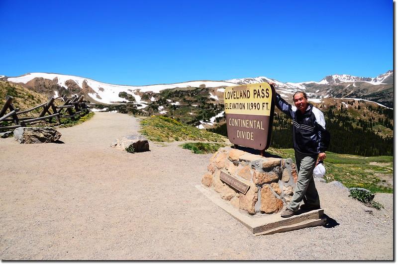 Loveland Pass' summit 2