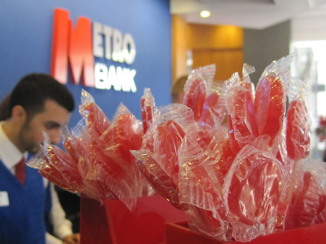 Metro Bank launch - a lot of lollies