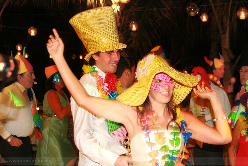 Matrimonio Simbolico En Peru : Boda en máncora carolina y pablo fotos de bodas perú