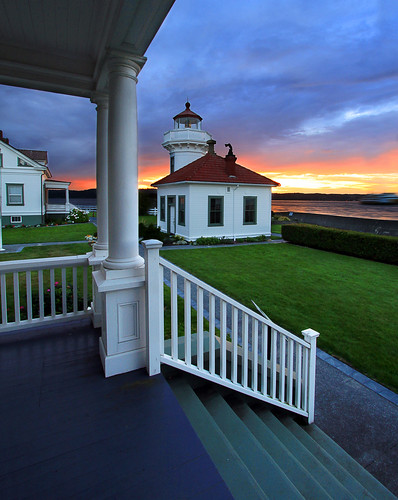 ocean blue sunset usa lighthouse tourism ferry america washington scenery porch frontporch oceanview hdr sites mukilteo mukilteolighthouse canon50d virginiabaileyphotography
