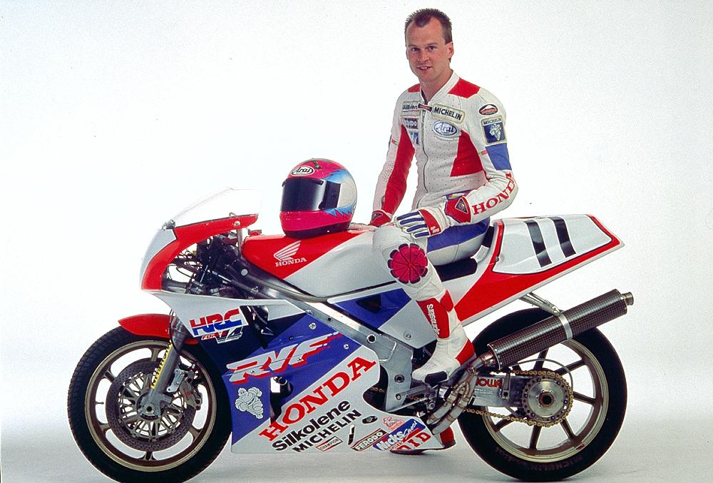 Honda RC 30 - Page 4 4954172599_3ec92bd528_o
