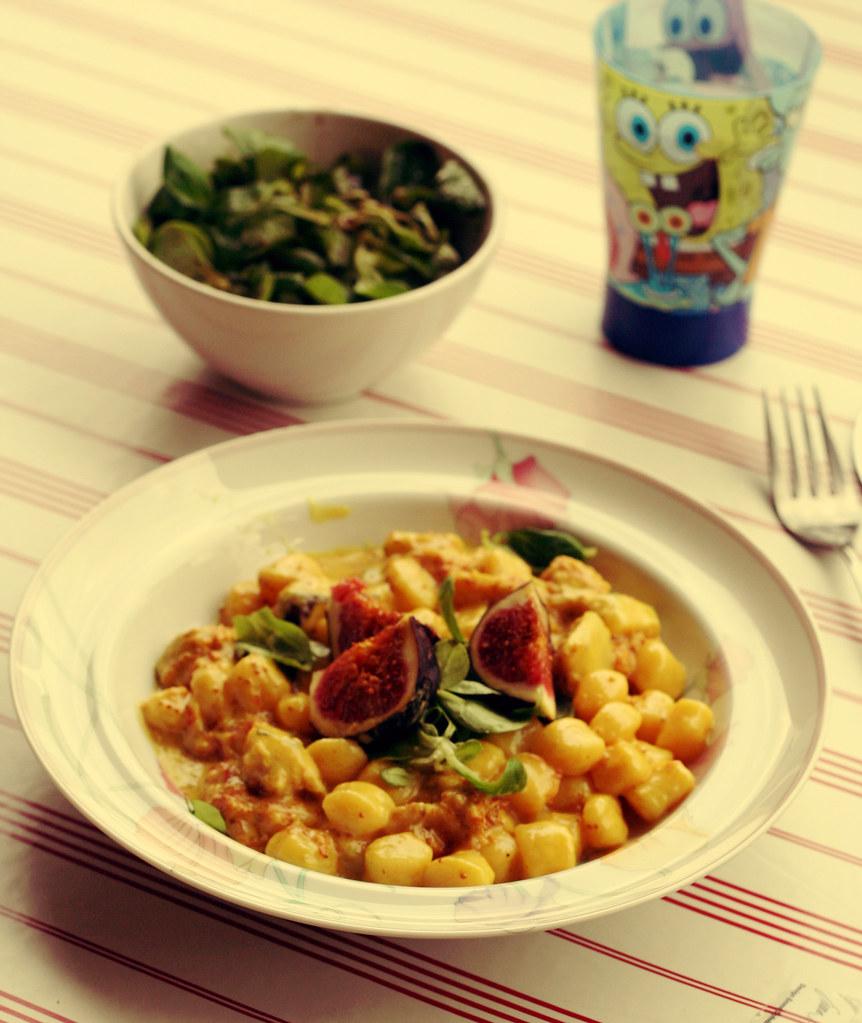 curry-gnocchi mit frischen feigen