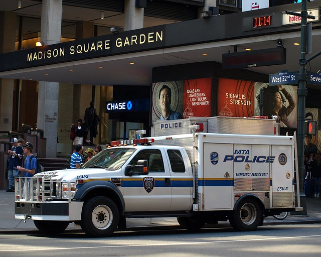 Mta police emergency service unit truck madison square - Garden city police department ny ...