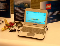 Classmates PC w Legos IMAG0242