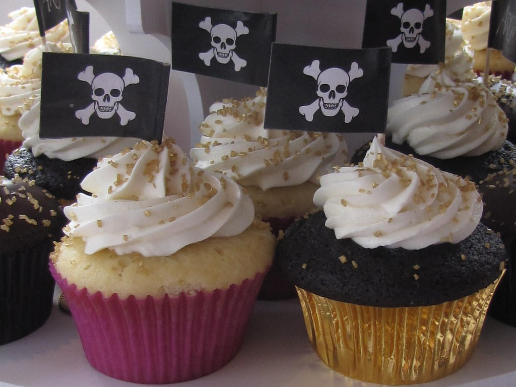 Pirate Themed Wedding Cupcakes