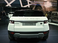 automobile(1.0), automotive exterior(1.0), range rover(1.0), sport utility vehicle(1.0), vehicle(1.0), automotive design(1.0), compact sport utility vehicle(1.0), range rover evoque(1.0), bumper(1.0), land vehicle(1.0),