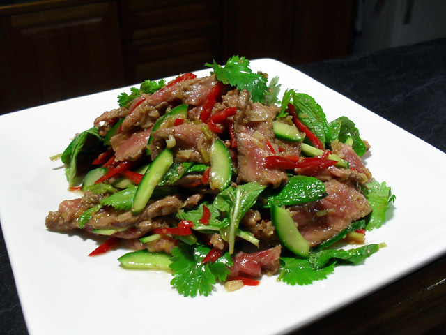 thai beef salad w 39 nam jin 39 dressing flickr photo sharing