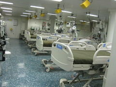 sport venue(0.0), operating theater(0.0), hospital(1.0), room(1.0),